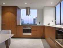 Kangaroo Point Apartment